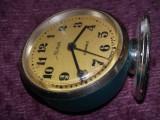 Ceas vechi de masa Slava,ceas de colectie,ceas in starea care se vede,T.GRATUIT