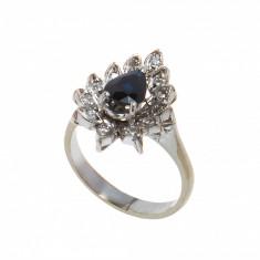 Inel din argint, model frunza stilizata, safir si 12 diamante