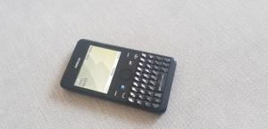 Nokia Asha 210 - telefon cu butoane qwerty wireless bluetooth