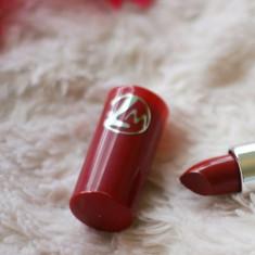 RUJ ROSU INCHIS  W7 LIPSTICK IN RED  BORDEAUX