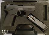 Pistol neletal bile de cauciuc