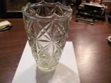 CY - Vaza sticla / cristal veche deosebita groasa in carne H = 21 cm D = 13 cm