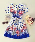 Rochie ieftina de zi alba cu albastru cu buline si imprimeu floral