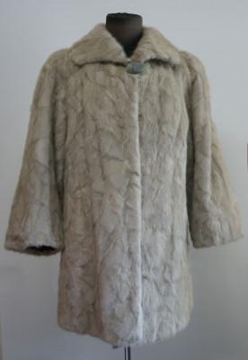 Mantou / haina din blana naturala de nurca argintie foto