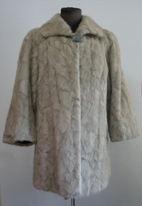 Mantou / haina din blana naturala de nurca argintie