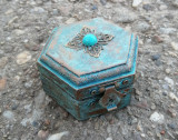 Cumpara ieftin Cutie/ mini caseta lemn pentru bijuterii- vintage/ shabby/ retro