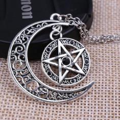 Pandantiv medalion PENTAGRAMA cristale negre pe luna supernatural + BONUS LANT