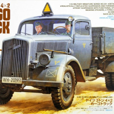 1:35 German 3ton 4x2 Cargo Truck - 2 figures 1:35
