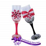 Pahare nunta miri si nasi Handmade by Diana Puiu PNFJ 2 rosu-negru
