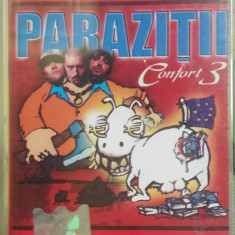 Caseta Paraziții – Confort 3, originala, fara coperta