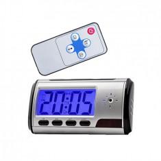 Ceas multifunctional cu camera si telecomanda rezolutie 640 x 480 vga, format avi
