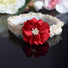 Bentita din dantela cu floare rosie, Universal