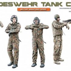 1:35 Bundeswehr Tank Crew - 5 figures 1:35