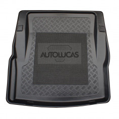 Tavita portbagaj Bmw 3 (F30) ; 4 Coupe (F32), 01.2012- ; 10.2013-, cu panza antialunecare