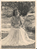 Fotografie tanara in rochie de vara anii 1930