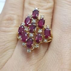 Inel aur galben 14K cu rubine si diamante, circumferinta 53 mm
