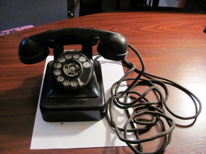 PVM - Telefon vechi ebonita complet discul roteste perfect stare buna / nemarcat