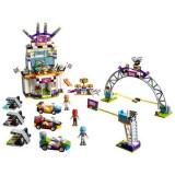 Joc LEGO® Friends - Ziua cea mare a cursei 41352
