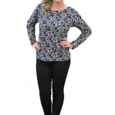 Bluza rafinata cu model floral negru pe fond alb, cu maneci lungi