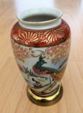 Vaza - portelan Japonia - coaja de ou - pictata manual - suport alama