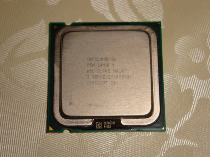 Procesor intel pentium 4 651 3.4Ghz FSB800 LGA775 SL9KE - de colectie