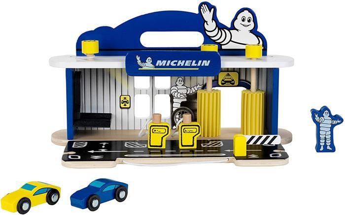 Statie Reparatii Masini Cu Spalatorie Din Lemn Michelin