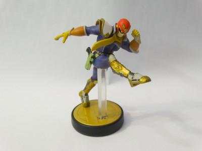 Figurina Nintendo Amiibo Captain Falcon No. 18 foto