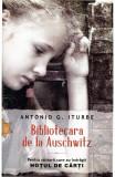 Bibliotecara de la Auschwitz, Antonio G. Iturbe