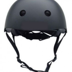 Casca de protectie pentru trotineta electrica, bicicleta, bicicleta electrica, hoverboard (Negra), absoarbe usor socurile, orificii de racire, curele