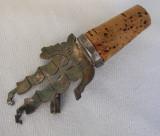 Dop si dozator argintat pentru sticla de vin sub forma de corabie