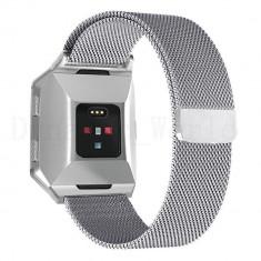 Curea magnetica compatibila Fitbit Ionic, metalica, argintiu