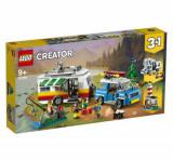 LEGO Creator - Vacanta in familie cu rulota 31108
