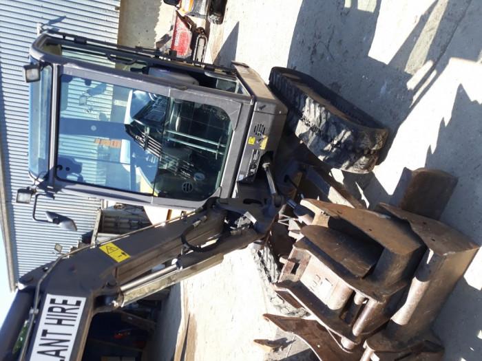 Escavator Volvo 2.8 Tone