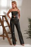 Pantaloni din piele ecologică