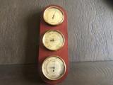 Barometru cu termometru si higrometru german,pe suport din lemn