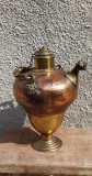 Vas vechi, recipient din cupru și bronz pentru ulei