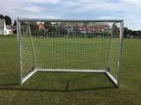 Poarta de fotbal cu roti