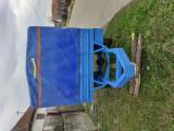 Remorcă pe o axa