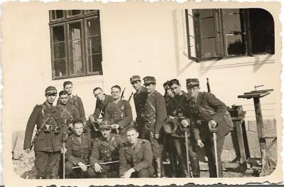 Fotografie elevi militari romani cavalerie cu sabii anii 1930 foto