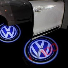 Proiectoare in portiera cu Logo VW Passat, Golf 5, Golf 6, Touareg, Sharan