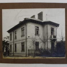 CASA CU ETAJ , FOTOGRAFIE PE HARTIE LUCIOASA , AUTOR NECUNOSCUT , DATATA PE VERSO , 1907