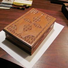 PVM - Cutie lemn mai veche frumoasa (2)
