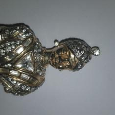 Insigna India brosa din metal placata cu pietre, 6X4 cm