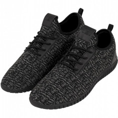 Knitted Light Runner Shoe