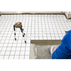 GeoSpider - Cruce laser pe podea cu linii lungi