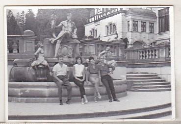 bnk foto - Sinaia - In gradina Castelului Peles - anii `80 foto