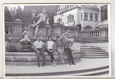bnk foto - Sinaia - In gradina Castelului Peles - anii `80