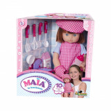 Papusa Maia la bucatarie