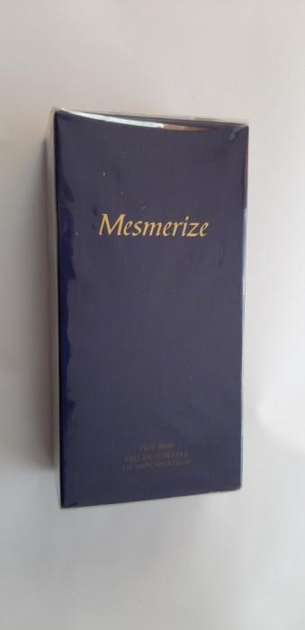 APA DE TOALETA  Mesmerize Black PENTRU EL , 100 ml , AVON , SIGILAT .