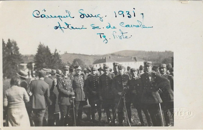 Fotografie ofiteri romani cu sabii 1931 scoala cavalerie Targoviste Campulung